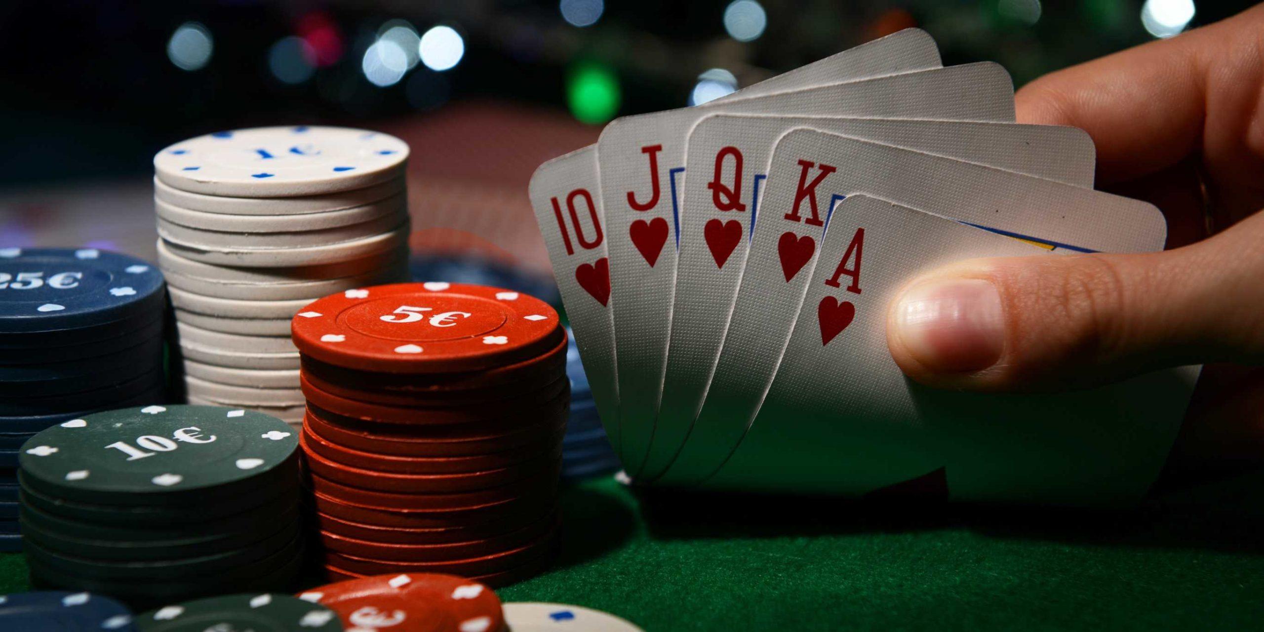 Играть в онлайн покер с Ukrcasino