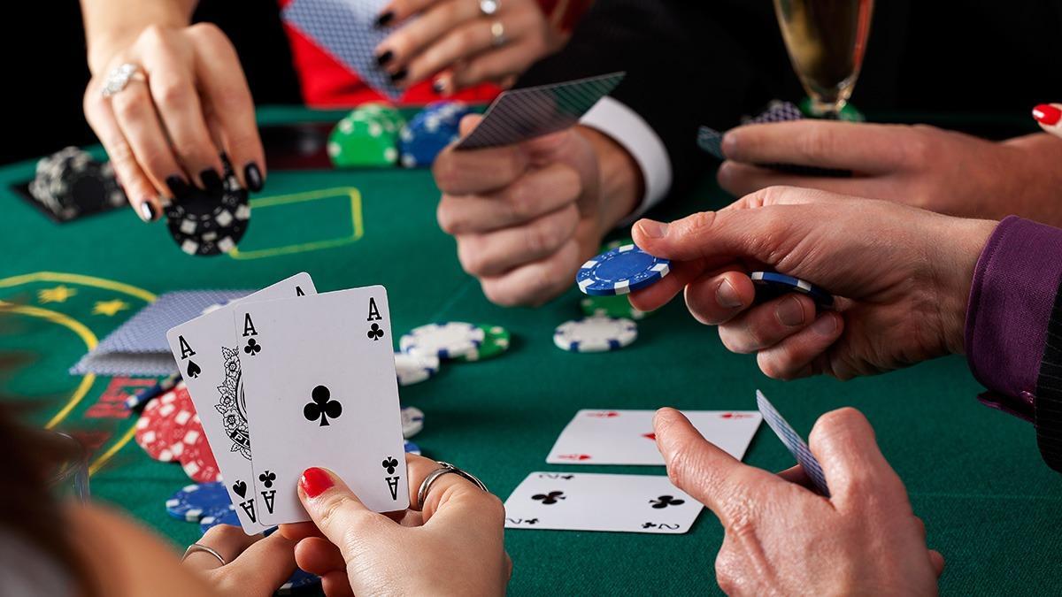Играть в покер онлайн с Ukrasino