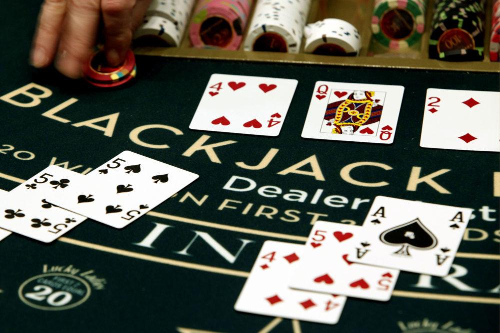 Играть в Black Jack онлайн на гривны с Ukrcasino